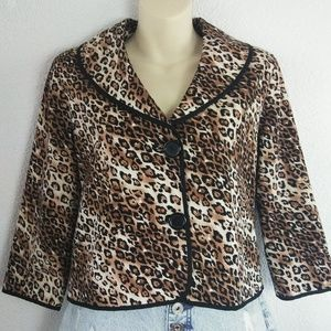 White House Black Market Leopard Size 4 Cropped